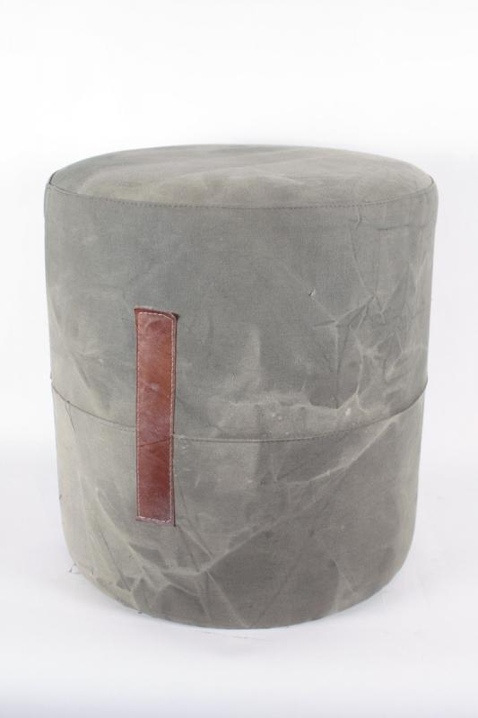 šedý-taburet