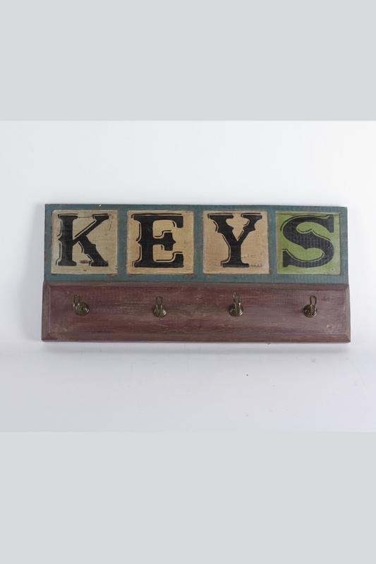 vešiak-keys
