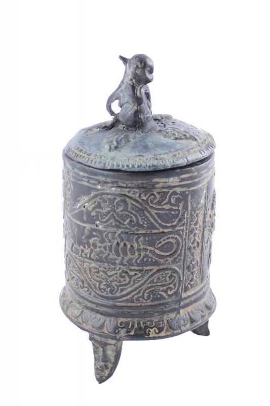 kovová-urna-s-opicí